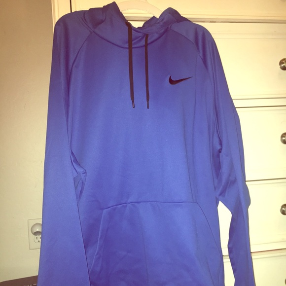 a73895e74f22d Nike Men's Therma Training Hoodie. M_5a87be493a112e6caf022b1a